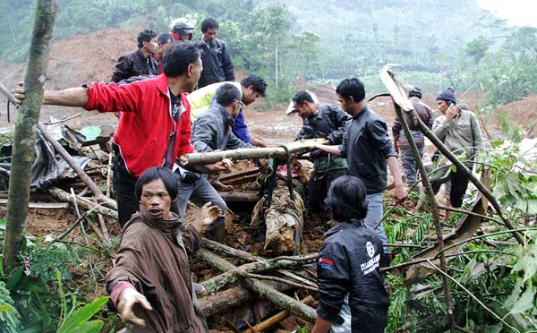 95 Bodies Found and Search for Banjarnegara Landslide Victims Stop