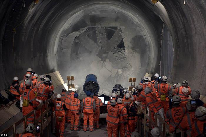 Mrt Jakarta Pengerukan Stasiun Bawah Tanah Dimulai Agustus 2015