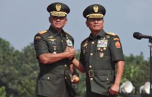 Serah Terima Jabatan Panglima TNI dalam Berita Foto