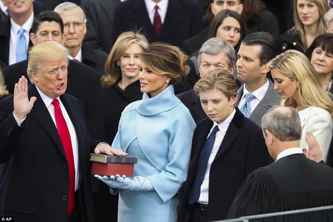 Berita Foto Pelantikan Donald Trump sebagai Presiden AS ke-45