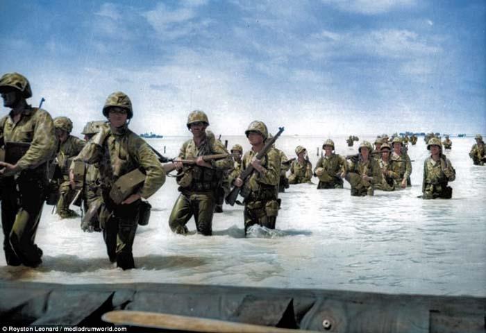 Foto-foto Hasil Restorasi Ungkap Aksi Prajurit AS di Pasifik pada Perang Dunia II