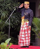 Indonesian Agriculture Minister Wore Bugis Traditional Costume in National Day?