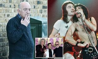 Basis Queen John Deacon Jauhi Ingar Bingar Jagat Musik Rock