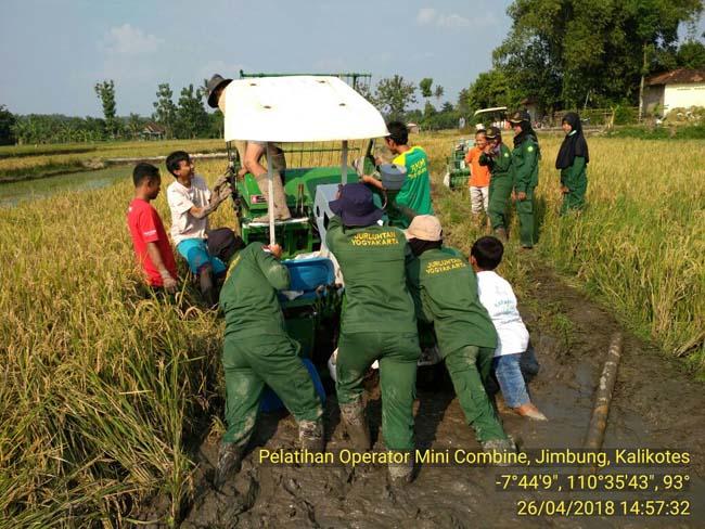 Berita Foto STPP Jurluhtan Yogyakarta Dampingi Pelatihan Operator Alsintan