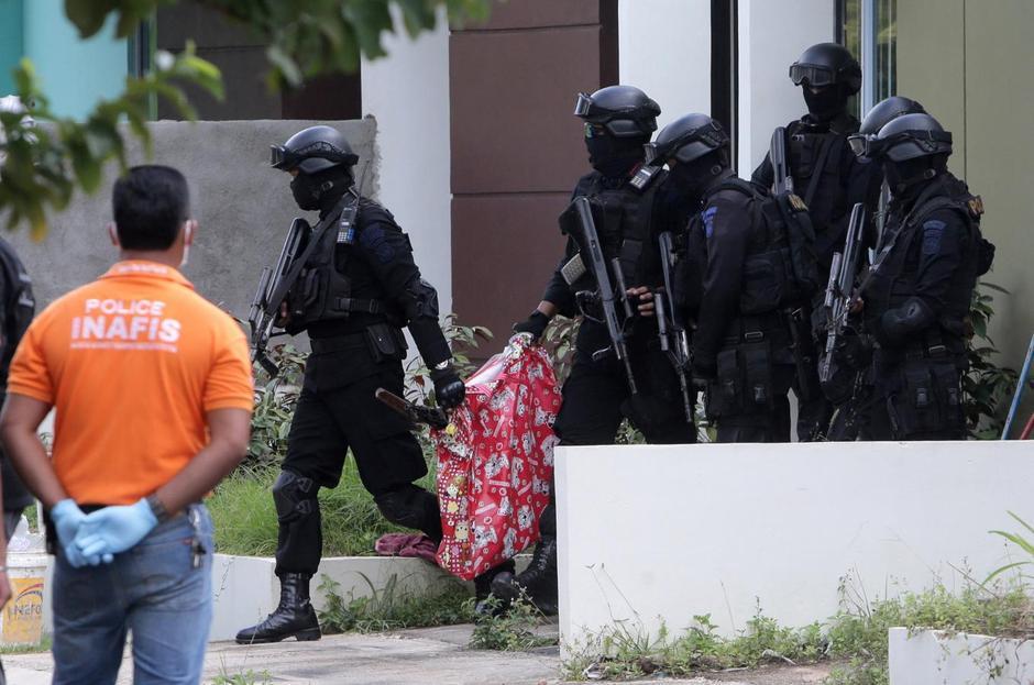 Indonesia Says Militant`s Arrest reveals Plots, New IS Links