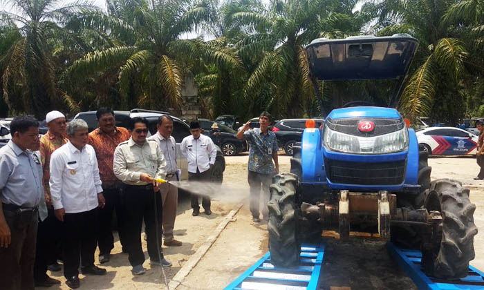 Indonesian`s Rental Agricultural Machinery is Managed by Young Farmers