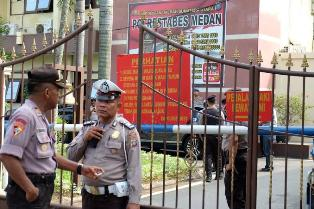 Student Bomber Dies in Attack outside Police Office in Indonesia?