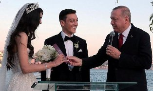Turkish President Erdogan is Best Man at Mesut Ozil`s Istanbul?