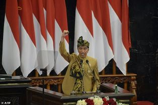Indonesian Leader Pledges to Move Capital City, Boost Economy