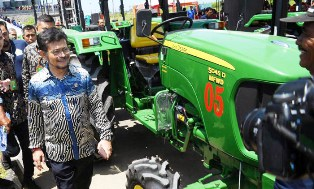 Indonesian Govt Provides Agricultural Insurance to Farmers