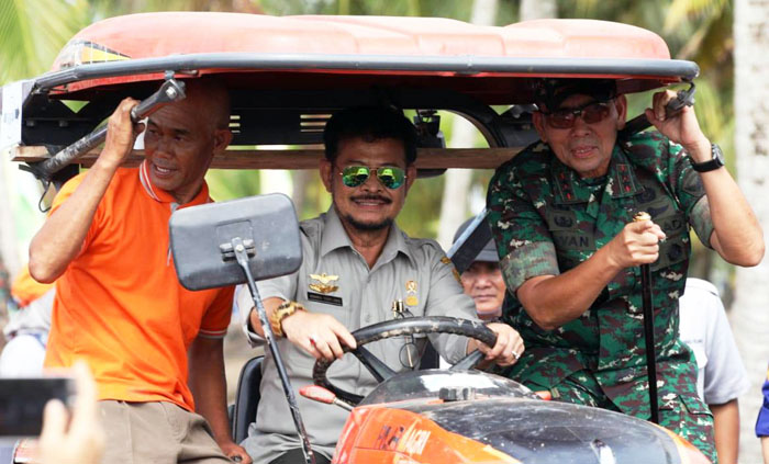 Indonesian Farmers Optimize Agricultural Machinery