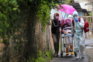 Virus Variants a Concern in Indonesia as Regional Clusters Grow?