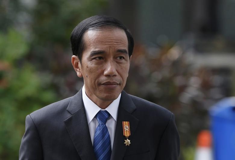 Tangani Pandemi, Survei LSI Sebut Kepuasan Publik pada Jokowi Turun